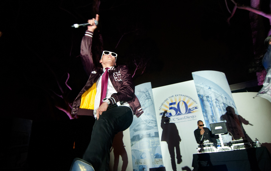 Billboard Top 10 band Far East Movement performed live at Founders' Day.