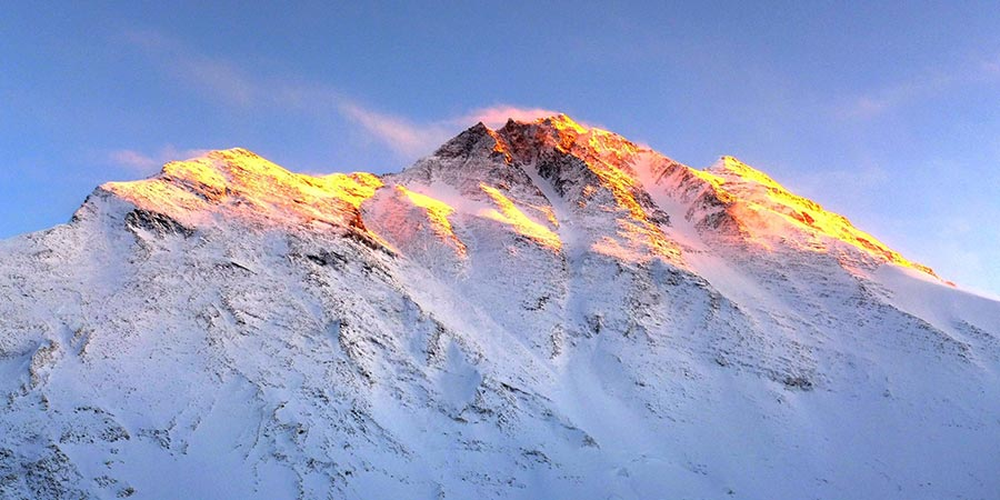 Sunlight atop Mt. Everest. Photo by Mang Lin