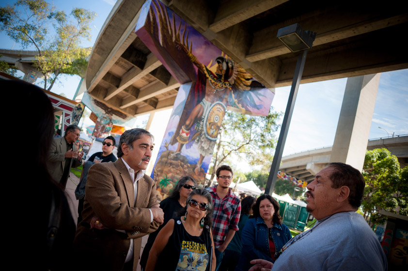 "Chancellor Pradeep K. Khosla and a group of UC San Diego students, faculty and staff kicked off the Saturday with a full day of activities themed ""We Learn: Exploring Chicano/a/Latino/a Culture and Heritage."" <br> <br>Photos by Erik Jepsen/UC San Diego Publications"
