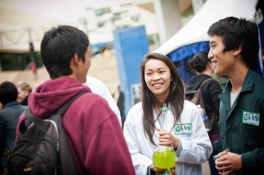 The Biofuels Action and Awareness network, a student group that promotes the use of biofuels in the UCSD community, exhibits their algae to Founders' Day attendees.