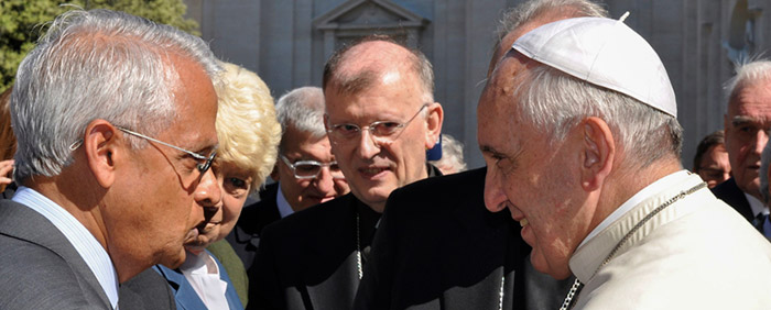 Image: Scripps Oceanography Climate and Atmospheric Scientist V. Ramanathan and other researchers met with Pope Francis in 2014.