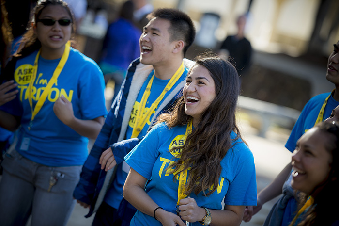 Student volunteers greeting newly admitted students at UC San Diego Triton Days