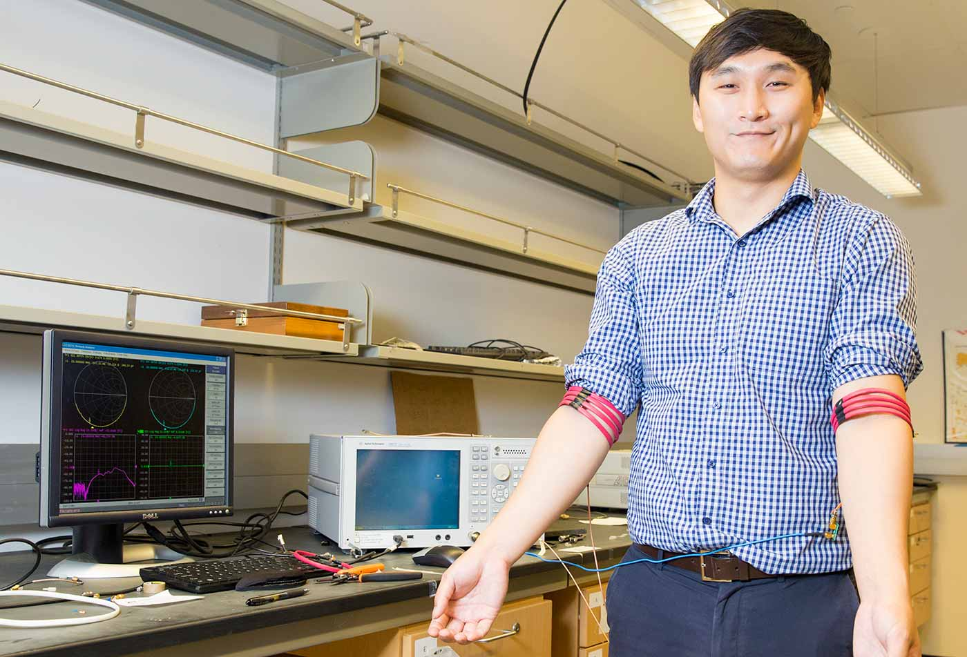 Image: Jiwoong Park, an electrical engineering Ph.D. student