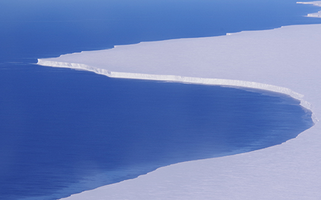 The Ross Ice Shelf in Antarctica. Susan Howard, Earth & Space Research.