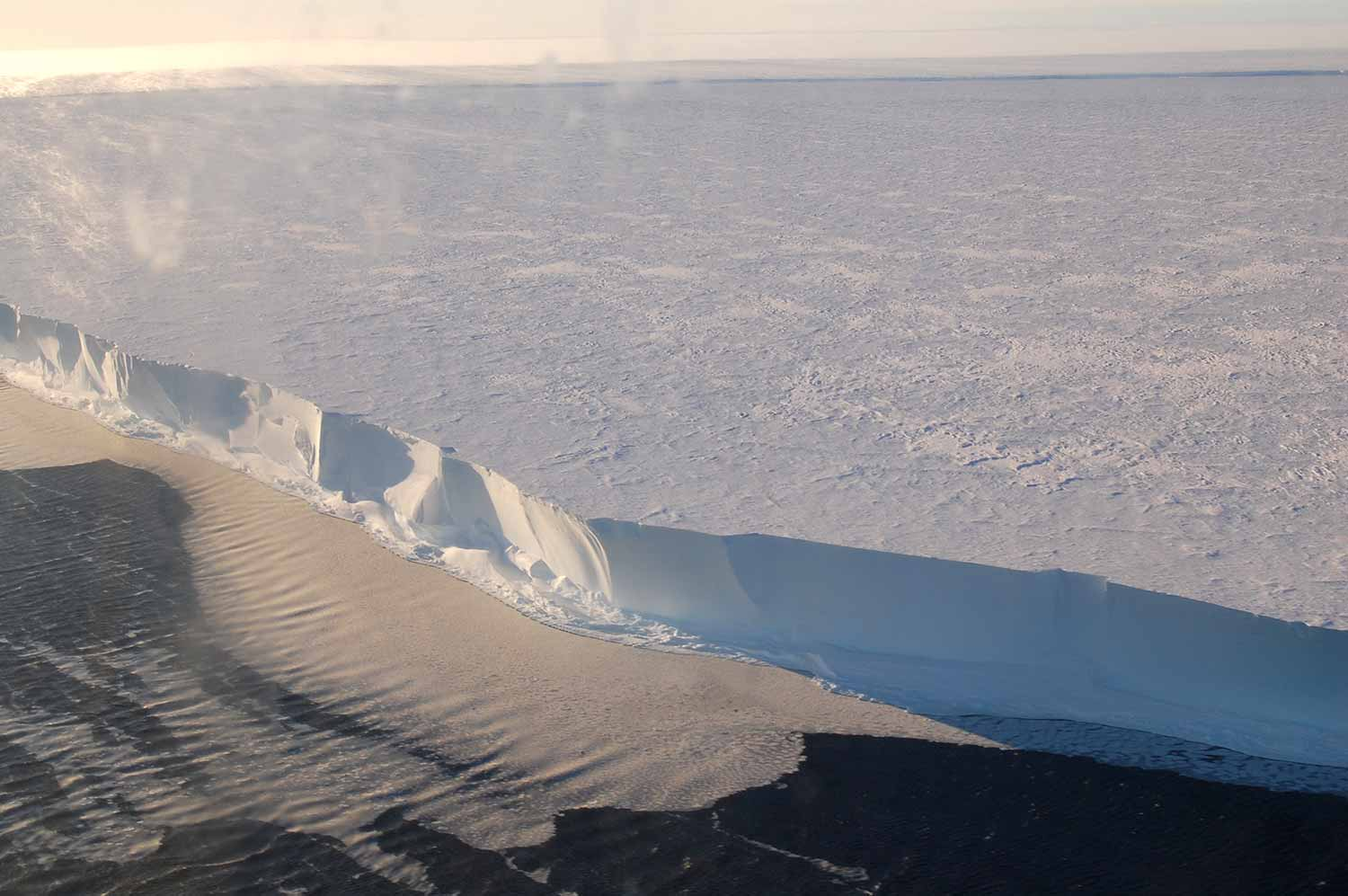 Image: The front of the Ross Ice Shelf