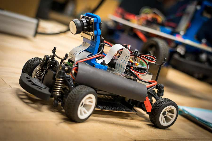 Undergraduate Engineers Get Hands-on Experience with Autonomous Vehicles