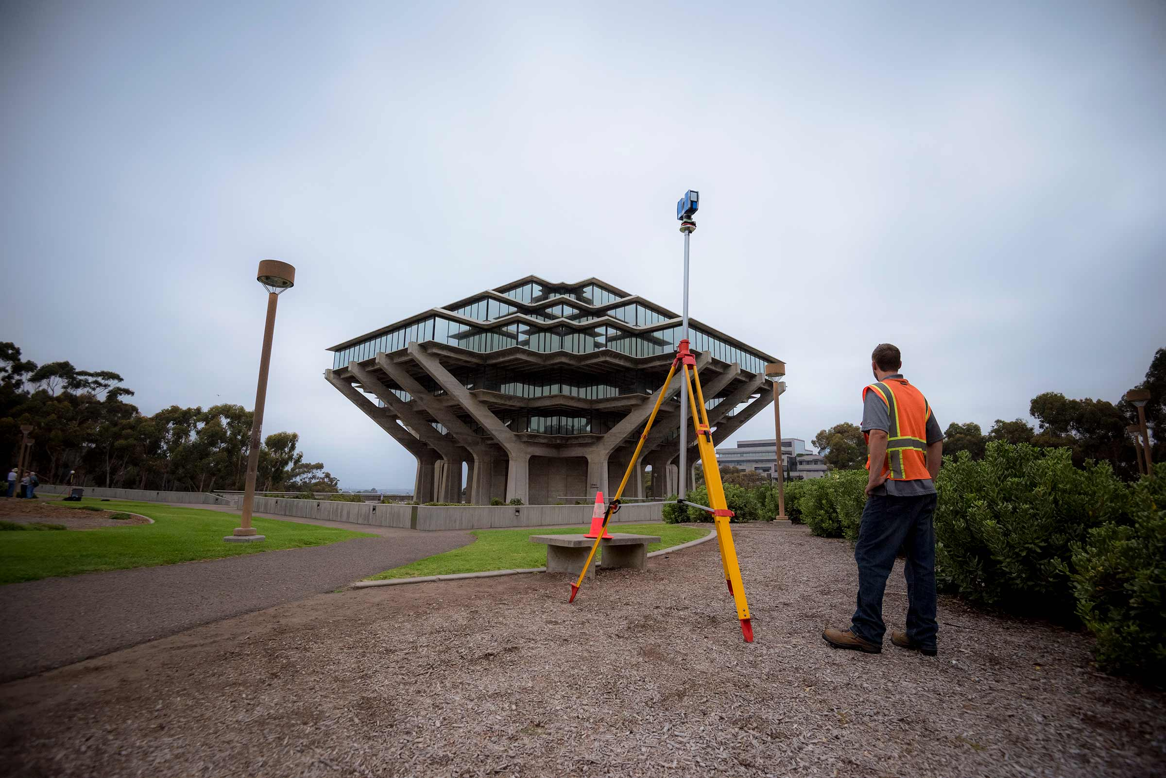 Researchers at UC San Diego recording Geisel Library into a digital model