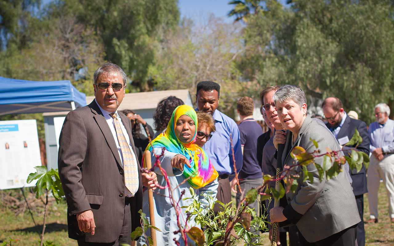 UC President Janet Napolitano Visits UC San Diego Global Food Initiative Project