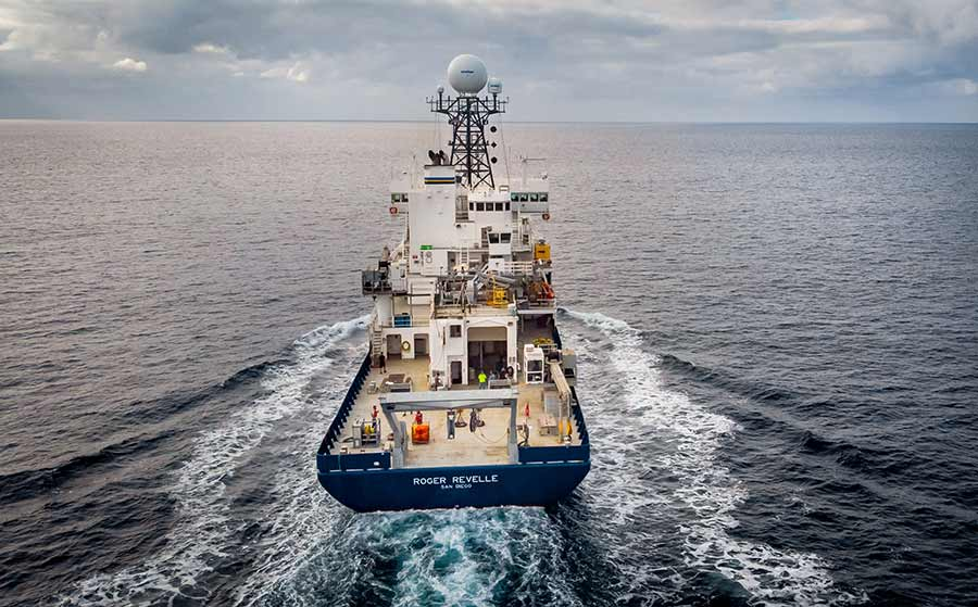 Research Vessel Roger Revelle at sea.