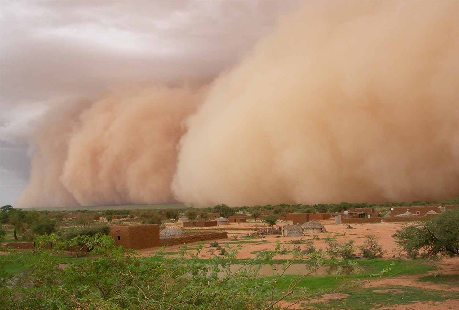Image: Arrival of a wall of dust known as a haboob