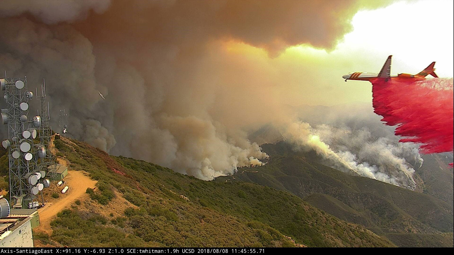 fire airplane over California mountains