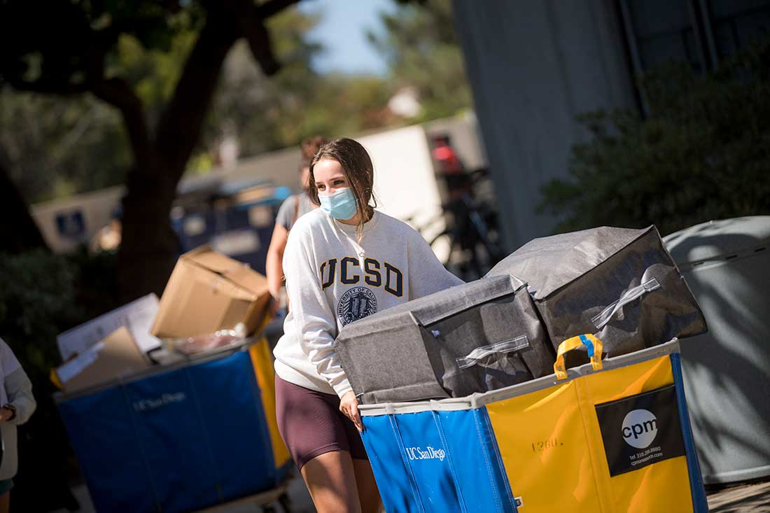 students moving in on campus.