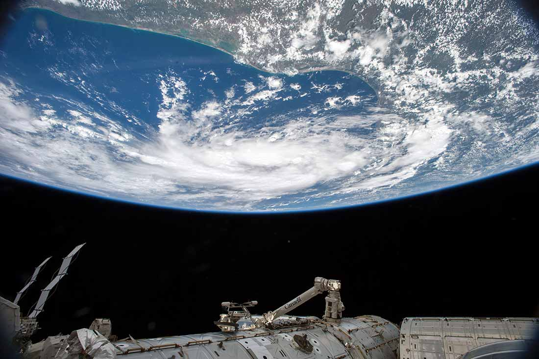 Image: NASA astronaut Scott Kelly, currently on a one-year mission to the International Space Station